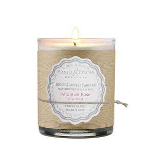bougie végétale parfumée pétale de rose, senteur florale. Cire 100% végétale, mèche en coton et fabrication artisanale en Provence.