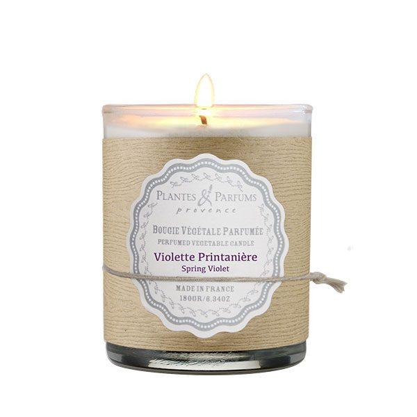 bougie végétale parfumée violette printanière, senteur florale. Cire végétale, mèche 100% coton.